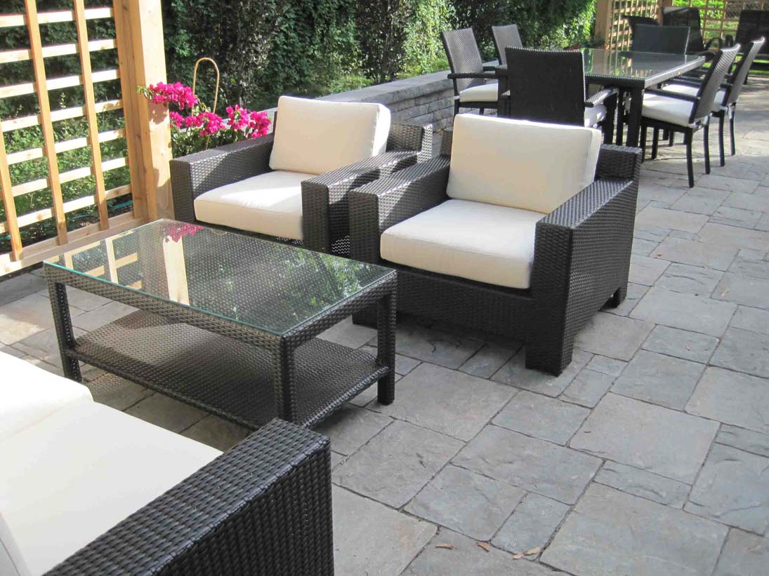 Outdoor Wicker Seating and Dining Furniture